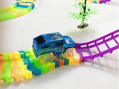Obrázok z Dvojposchodová autodráha s autíčkom