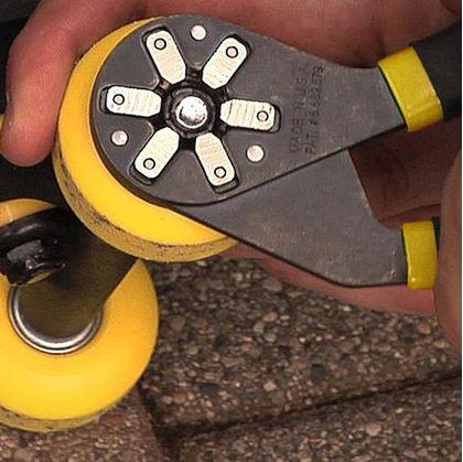 Obrázok z Univerzálny kľúč - kliešte 12-20 mm