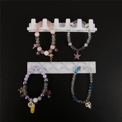 věšák na šperky